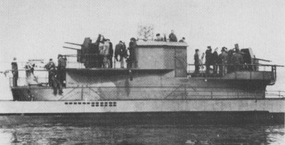 Flak U-boats were a measure to fend off allied aircraft. But they were a massive failure and soon discontinued....