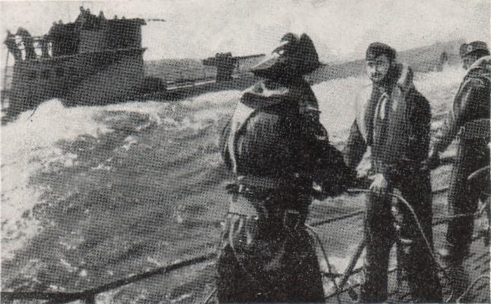 u-boat taking fuel from transport submarine