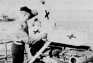 A crew assembling the tail of the Focke-Achgelis.